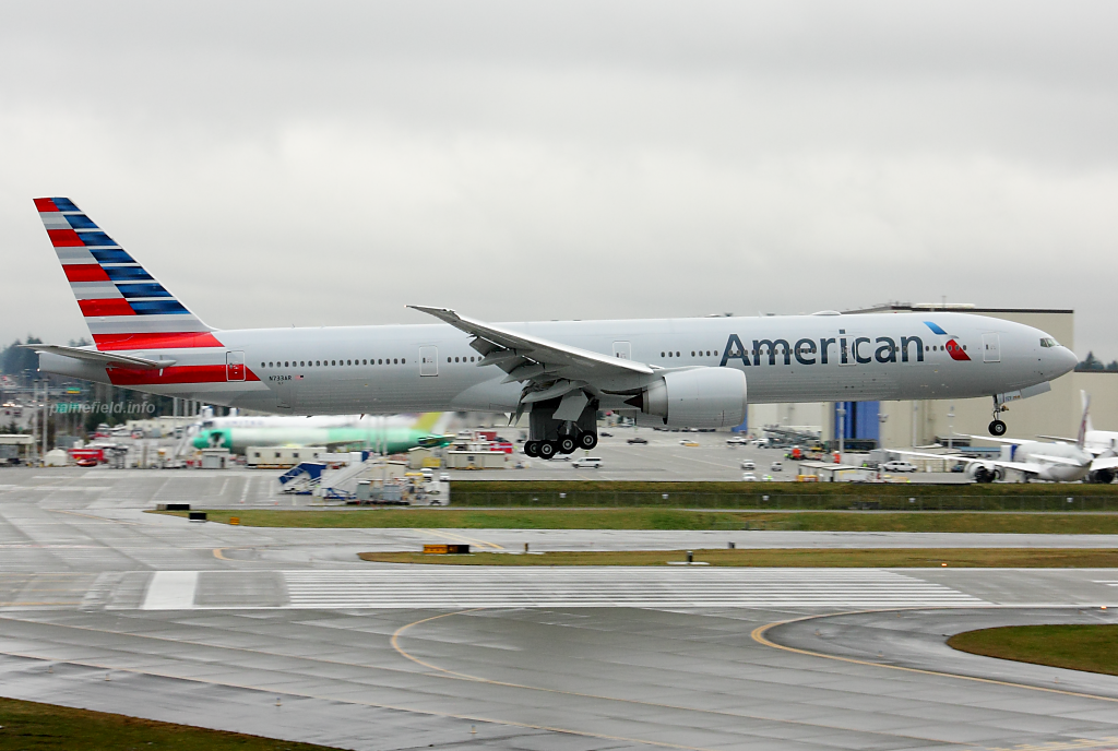 American Airlines 777 N733AR at Paine Field