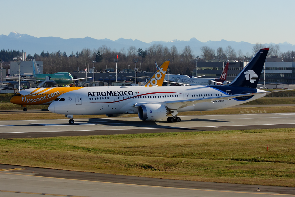 Aeromexico 787 XA-AMR at Paine Field