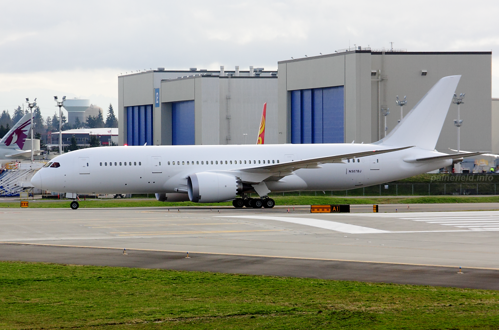 787-8 N507BJ at Paine Field