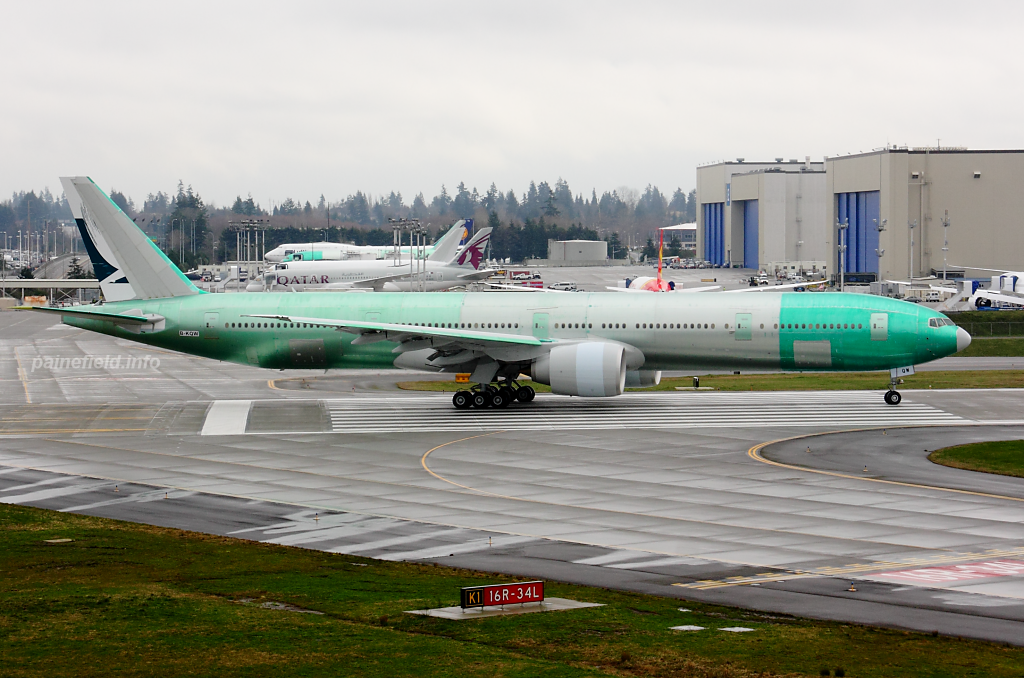 Cathay Pacific 777 B-KQW at Paine Field