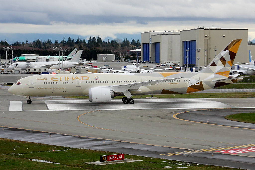 A6-BLB at Paine Field