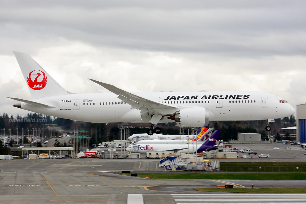Japan Airlines 787-8 JA840J at Paine Field