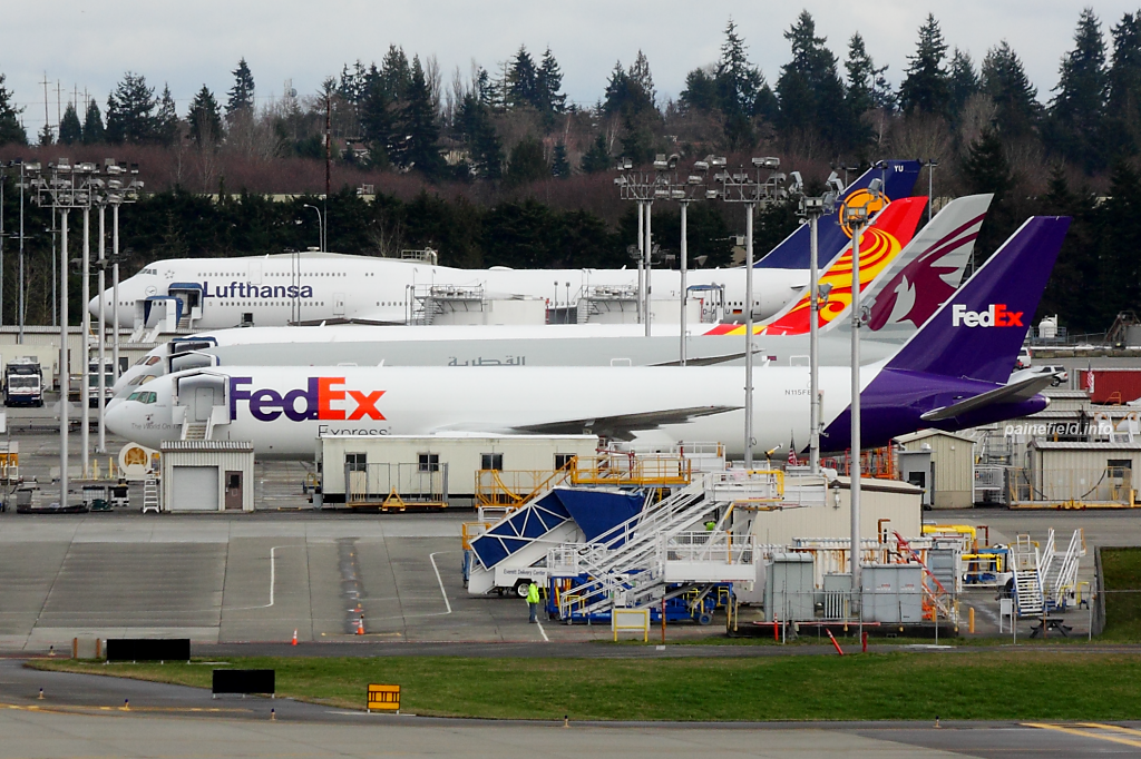 FedEx 767 N115FE at Paine Field